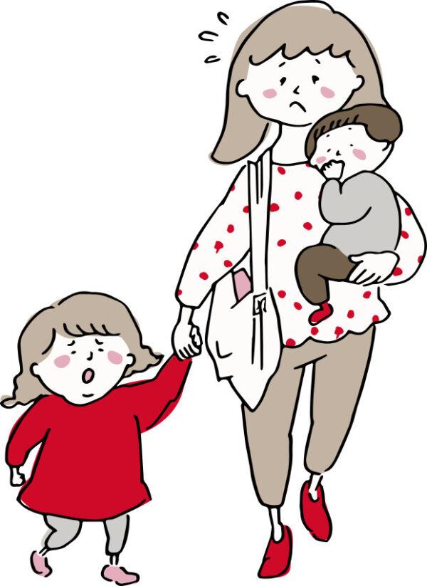 子供を一人抱っこして、一人手をつないで買い物するママ