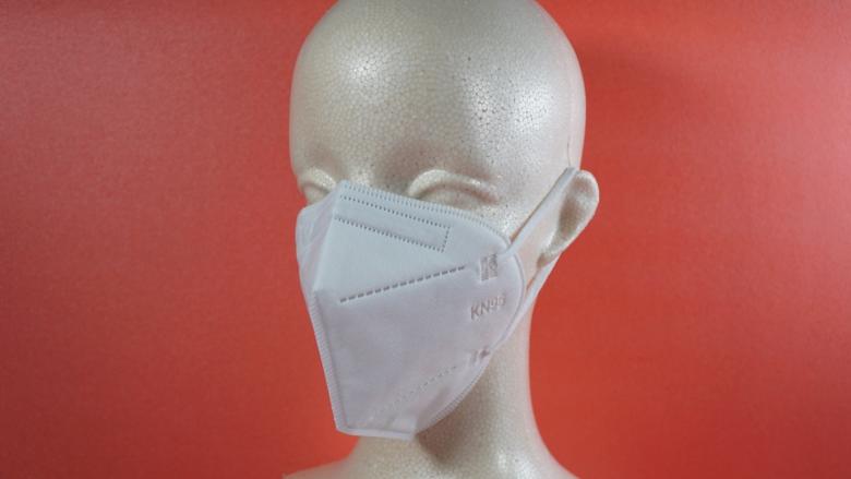 KN95マスクを装着した状態